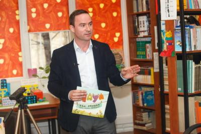 Povestea unui CEO care scrie carti pentru copii. Daniel Kearvell, seful DHL Romania: Oamenii ocupati gasesc intotdeauna timp