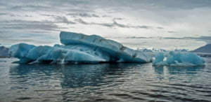 Premiera istorica si inspaimantatoare in zona arctica: Cel mai batran si mai gros ghetar s-a rupt