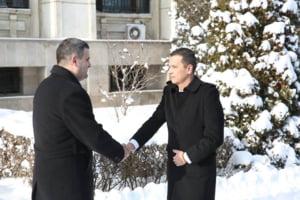 Premierul Grindeanu a fost primit la MApN cu garda de onoare