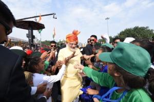 Premierul Indiei spune ca tara sa poate invinge in lupta orice adversar, cu referire la China si Pakistan