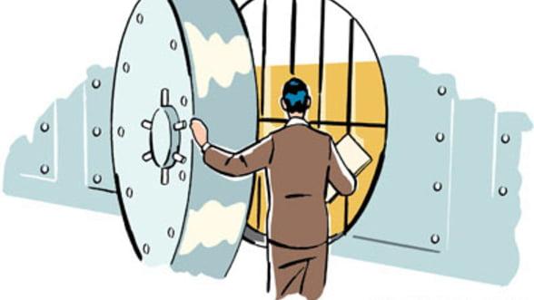 Presate de criza si de pierderi, bancile din Romania au schimbat strategia in 2012