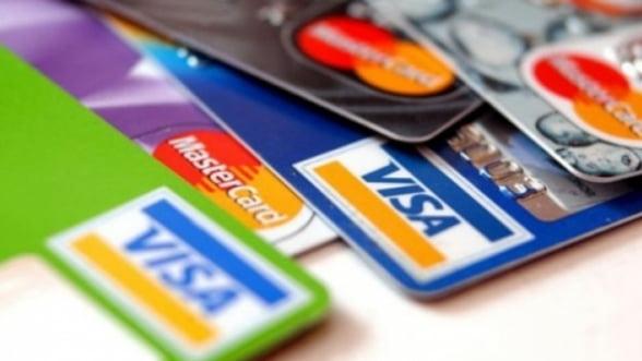 """Presedintele ARB critica reducerea comisioanelor pentru carduri: """"Afecteaza bancile"""""""