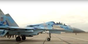 Presedintele Ucrainei, la bordul unui avion de razboi modernizat la standardele NATO (Video)
