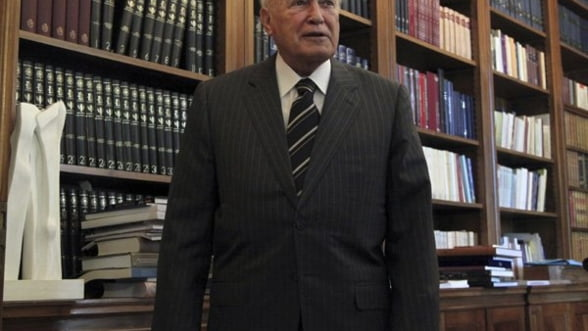 Presedintele grec a dizolvat Parlamentul