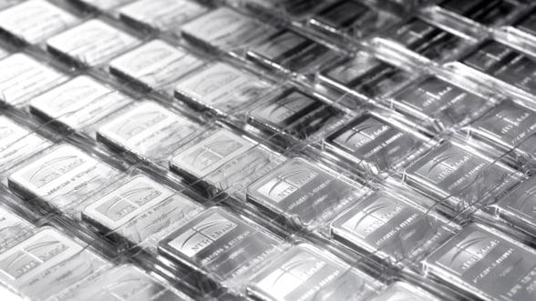 Pretul argintului a scazut cu 7%, la cel mai redus nivel din 2010