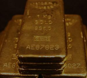 Pretul aurului bate recordul: 1.625 de dolari uncia
