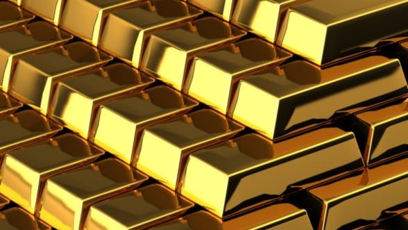 Pretul aurului scade cu 7,7%, din cauza temerilor ca Cipru va vinde din rezervele bancii centrale