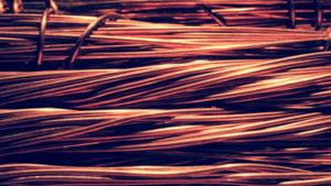 Pretul cuprului a urcat la cea mai ridicata valoare din ultimul deceniu. Care sunt efectele economice imediate