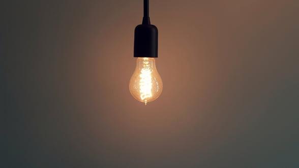 Pretul energiei electrice pe bursa a crescut cu 62% fata de inceputul lunii noiembrie