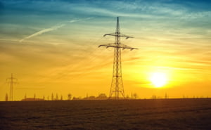 Pretul energiei pe bursa a crescut cu peste 150%, in aprilie 2021 fata de anul trecut