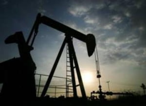 Pretul petrolului, in crestere cu peste 1 dolar