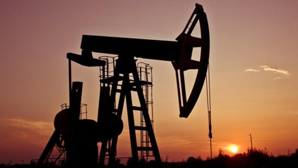 Pretul petrolului Brent la un nou record. Iranul a intensificat activitatile de imbogatire a uraniului