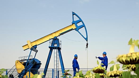 Pretul petrolului a coborat sub 50 de dolari/bariliu pentru prima data in ultimii sase ani
