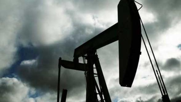 Pretul petrolului creste usor