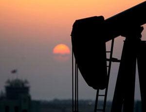 Pretul petrolului scade la 105 dolari pe baril