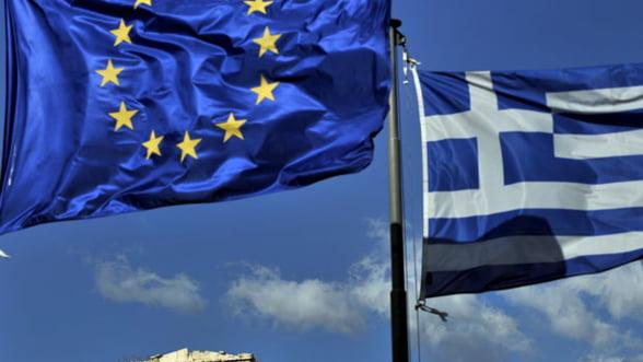 Pretul platit pentru ramanerea Greciei in zona euro: Noi scaderi ale veniturilor