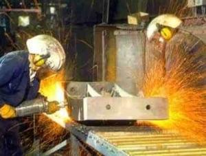 Preturile productiei industriale au continuat sa scada in august in ritm anual, cu 1,13%