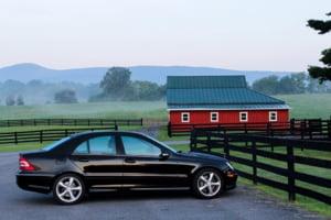 Prima masina vs. credit auto: avantaje si dezavantaje