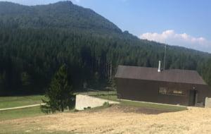 Prima statiune montana cu locuinte eco din Romania: O casa costa pana la 285.000 de euro (Foto)