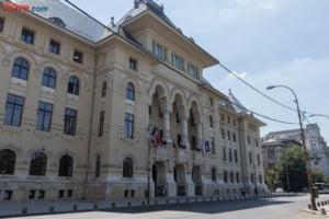 Primaria Capitalei a atribuit fara licitatie servicii pentru Zilele Bucurestiului, unde canta Rod Stewart: Asa prevede legea
