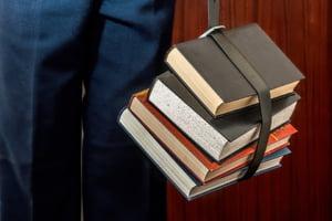 Primaria Capitalei vrea sa finanteze 2 carti de istorie pentru Centenar cu 2,5 milioane lei