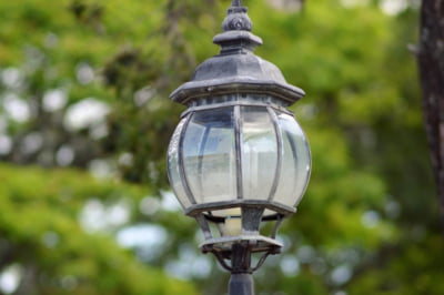 Primarii pot accesa fonduri de sute de milioane de e lei pentru a trece iluminatul stradal pe LED