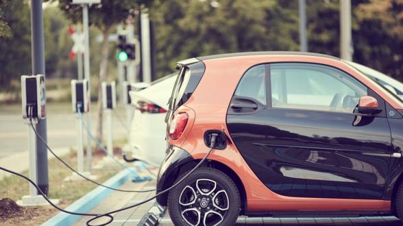 Primariile pot depune cereri de finantare pentru statii de reincarcare pentru vehicule electrice pana la 31 martie 2020