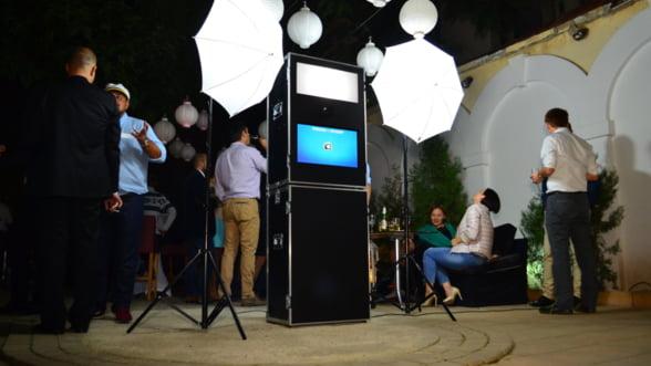 Primul PhotoBooth din Romania revolutioneaza selfie-urile de eveniment