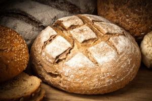 Primul efect al supraaccizei la carburanti: S-a scumpit painea