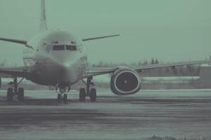 Pro Infrastructura: Aeroportul promis de ministrul Cuc la Galati nu merita construit. De ce ar fi mai bine sa investim in sosele