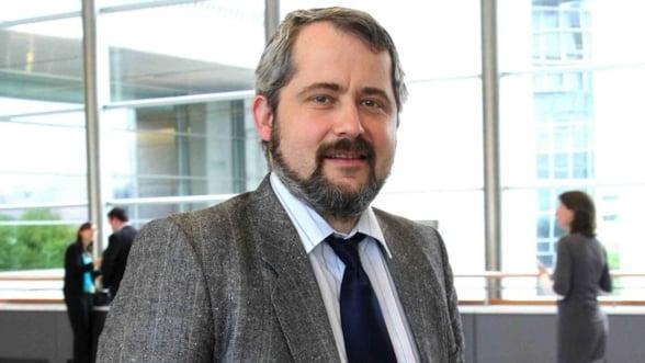 Problemele ACTA - expuse in plenul PE de europarlamentarul roman Sabin Cutas