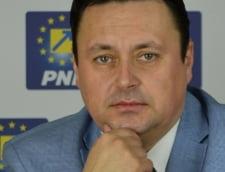 Proiect de lege: Sefii din ministere si administratie sa fie numiti pe ...incredere de partid