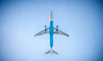 Proiectul de avion rusesc care ar concura direct cu Boeing si Airbus a fost intarziat cu un an din cauza sanctiunilor americane