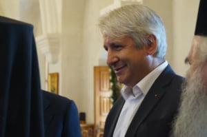 Promisiuni fantasmagorice de la Teodorovici: transferuri de bani fara comision, colete trimise gratuit si acoperirea de catre stat a diferentei de dobanzi la credite
