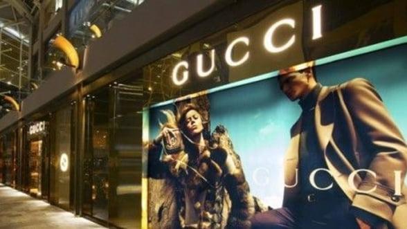 Proprietarul Gucci si-ar putea schimba denumirea in Kering