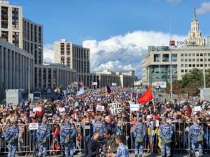 Protest de amploare la Moscova, pentru organizarea unor alegeri libere: 20.000 de oameni au iesit in strada