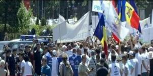 Protest in Piata Victoriei: Imbranceli, circulatie blocata, se cere demisia lui Victor Ponta LIVE