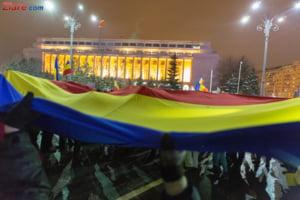 Protest in Piata Victoriei, dupa decizia CCR in cazul Kovesi: NU cedam! Aparam Democratia!