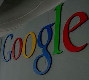 Protest la sediul Google, fata de accesul preferential contra cost