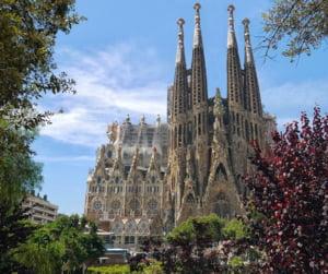Protestatarii au blocat intrarea in catedrala Sagrada Familia din Barcelona