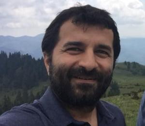 Protestatarul ranit de capacul unei grenade la protestul din 10 august pleaca din Romania: Tara pe care am dorit sa o salvez a decis sa ma impuste