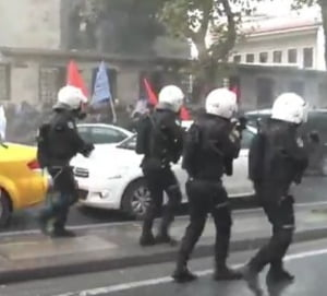 Proteste violente la Istanbul, dupa arestarea unor jurnalisti: Politia a folosit tunuri cu apa si lacrimogene (Video)