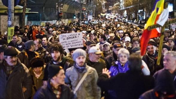 Protestele din tara risca sa afecteze cursul valutar
