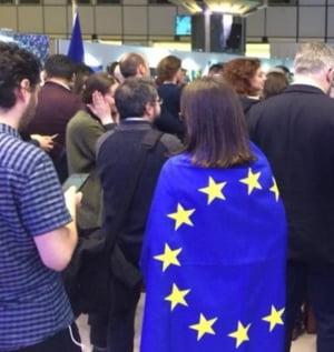 Protestele romanilor, prezentate Parlamentului European: Vrem justitie, nu coruptie! Vrem sa traim in lumina!