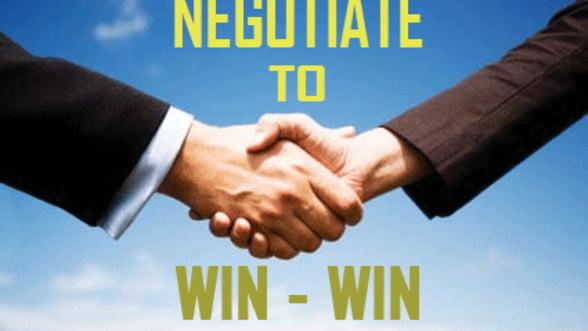 Puse la zid de oamenii de afaceri, bancile cer negocieri. Vezi ce acuzatii li se aduc