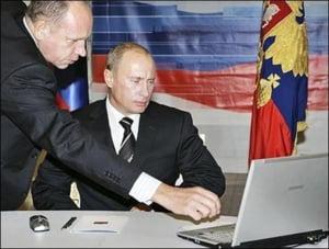 Putin, suparat pe tehnologie: Google, Twitter si Facebook i-au dat de gol invazia in Ucraina