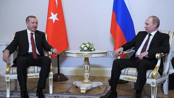 Putin ii duce lui Erdogan la semnat contractul Turkish Stream si afaceri de inca un miliard