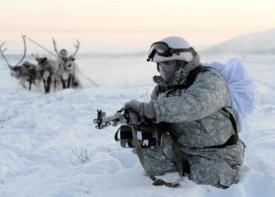 Putin strange latul in zona arctica. Bazele militare sovietice revin la viata una dupa alta