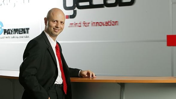 Radu Georgescu tine lectii de antreprenoriat liceenilor