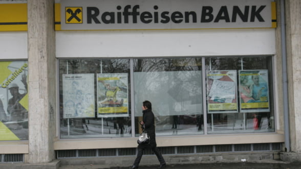Raiffeisen Bank: Serviciile de Internet si mobil, oprite sambata spre duminica